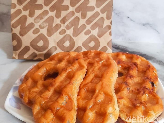 Doffle dari Dua Gerai Donat, Dunkin Donuts Vs Krispy Kreme