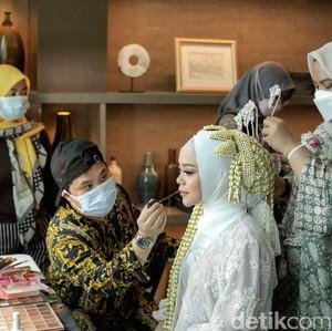 Netizen Kritik Siger Pernikahan Lesti Kejora, MUA Bennu Sorumba Buka Suara