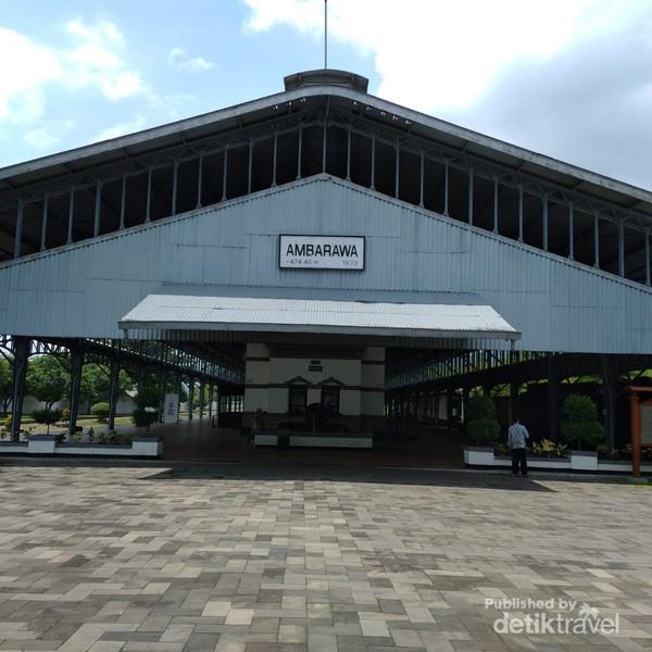 Stasiun Ambarawa mempunyai luas bangunan utama sebesar 479,45 m persegi