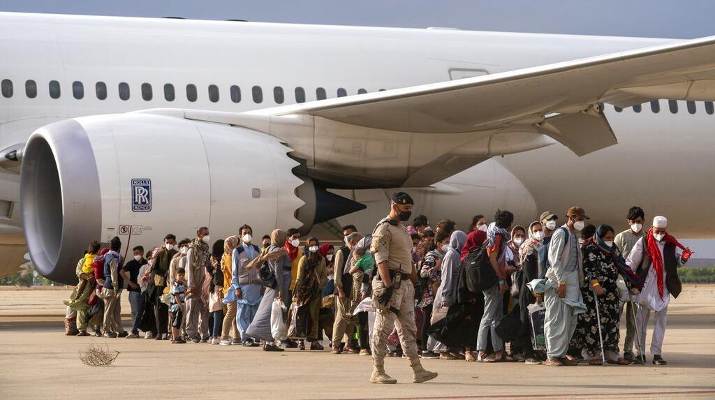 Pesawat Pengungsi Afghanistan Tiba di Spanyol