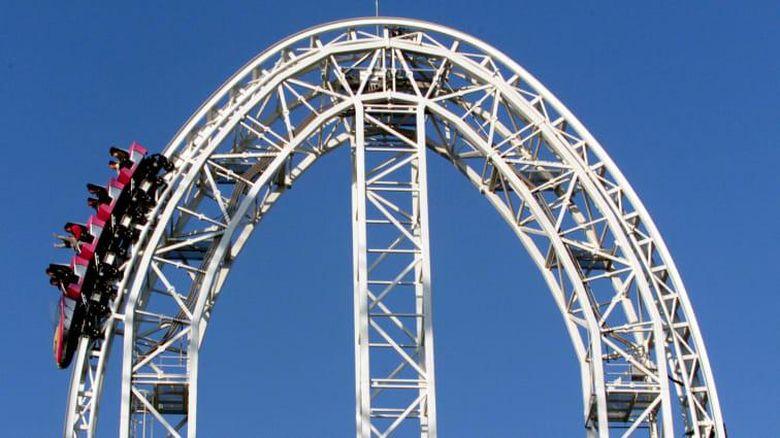 Roller coaster di Fuji-Q Highland Jepang