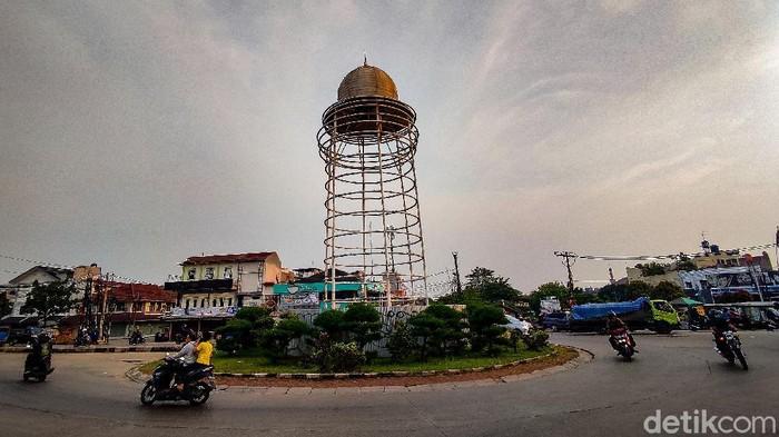 Gubernur Banten menggelar sayembara desain Tugu Pamulang dengan total hadiah Rp 20 juta. Sayembara digelar usai viral bentuk tugu yang berbeda jauh dari desain.