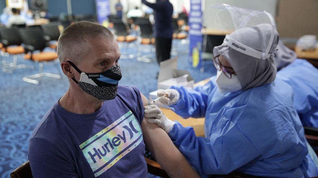 Kadin Gelar Vaksinasi Untuk WNA