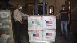Pandemi COVID-19 masih jadi momok bagi berbagai negara di dunia. Guna bantu atasi Corona, AS pun kirim bantuan berupa vaksin Moderna untuk Palestina.