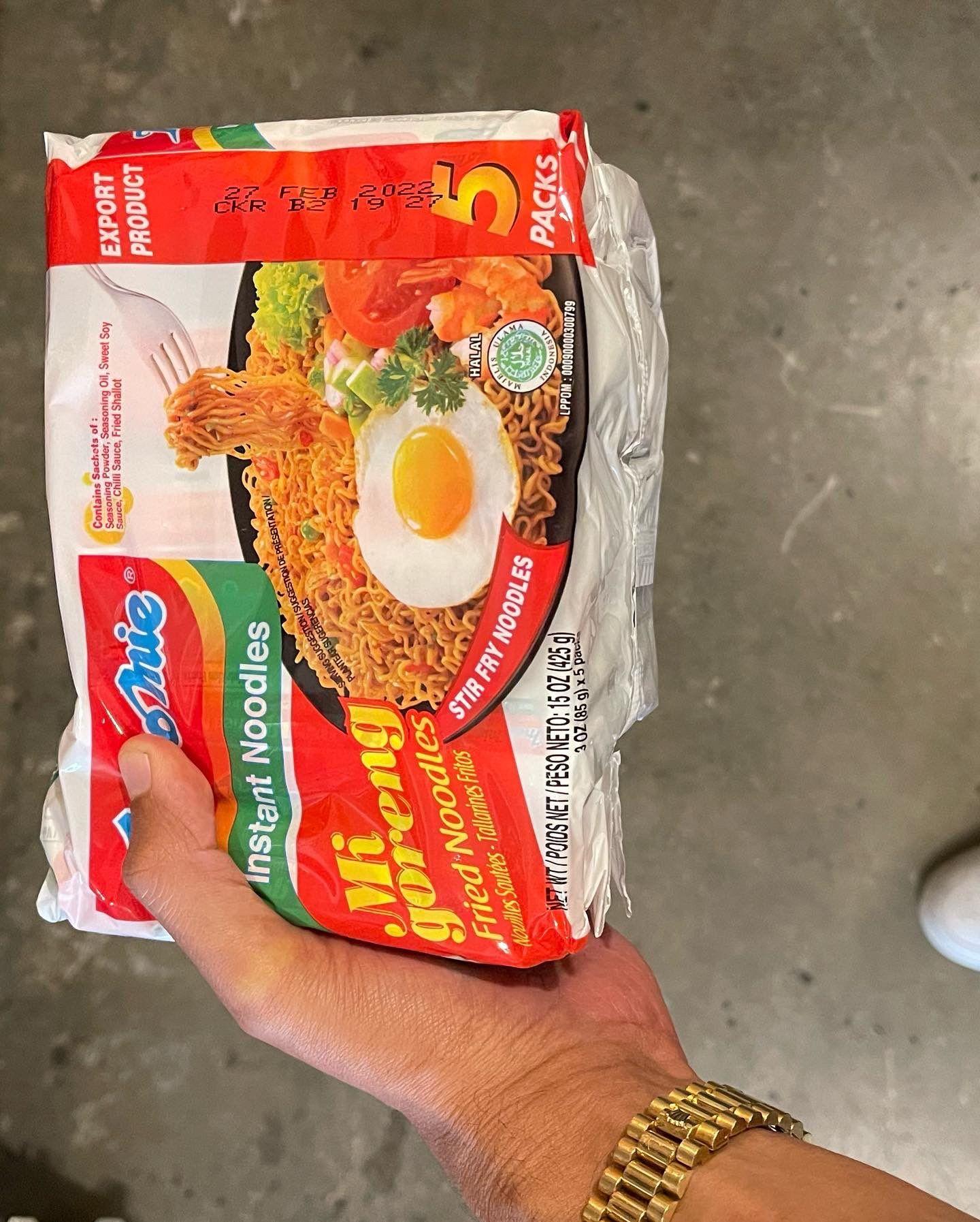 DJ Yellow Claw Pamer Makan Nasi Warteg dan Indomie di Los Angeles, Netizen Heboh