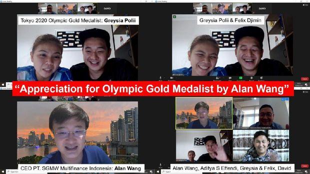Greysia Polii dan suami Felix Djimin saat berbincang via zoom dengan CEO Wuling Finance Alan Wang
