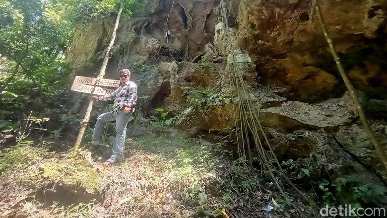 Gua Dayeuh di Karawang