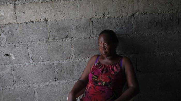 Gempa M 7,2 sisakan luka bagi warga Haiti. Tak hanya tewaskan anggota keluarga, sejumlah warga pun kini tak punya rumah usai porak-poranda diguncang gempa.