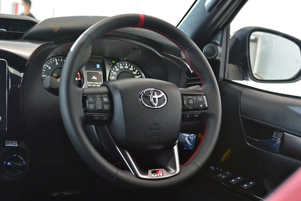Toyota Hilux Revo GR Sport 4x4
