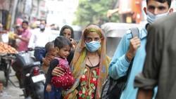WHO mengatakan COVID-19 di India mungkin memasuki tahap endemi. Pasalnya, tingkat penularan virus Corona di negara itu sudah cenderung rendah atau sedang.