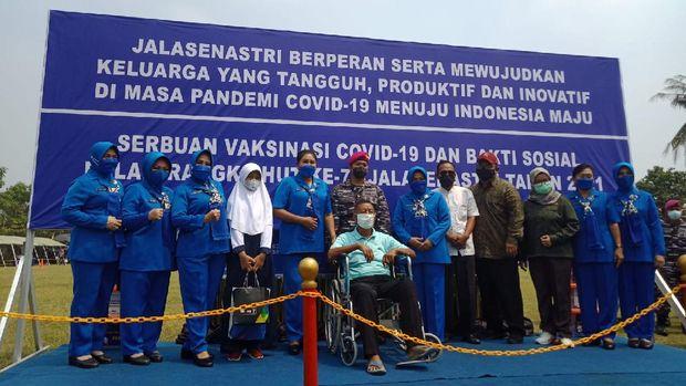 CT ARSA dan TNI AL bersinergi membantu masyarakat yang terdampak COVID-19 dan mendukung program Vaksinasi