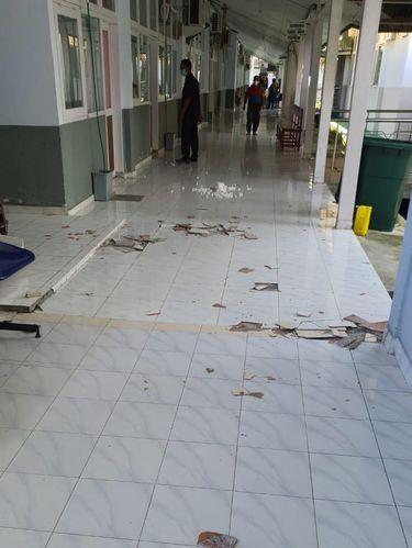 Dampak gempa M 5,8 di Tojo Una-Una, Sulteng. Seorang warga tewas tertimpa bangunan (dok BNPB)