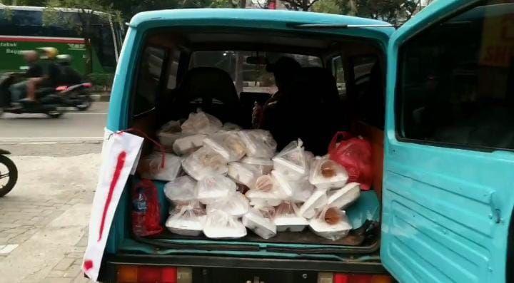 Salut! Netizen Twitter Gelar 'Razia Perut Lapar', Patungan Berbagi 100 Nasi Kotak