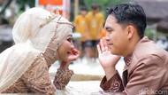 10 Potret Pengantin Viral Sesi Foto di Tengah Banjir, Ini Fakta Sebenarnya