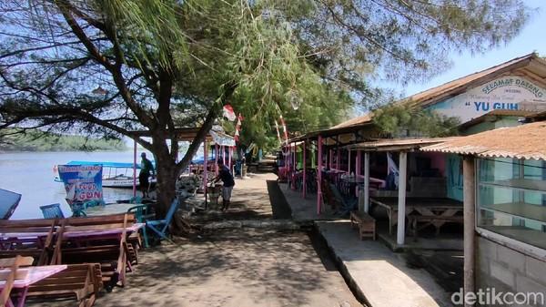 Para pedagang pantai Glagah pun berharap kebijakan PPKM ini bisa segera dicabut dan pandemi lekas rampung agar pelaku wisata dapat kembali beraktivitas normal seperti dulu lagi.