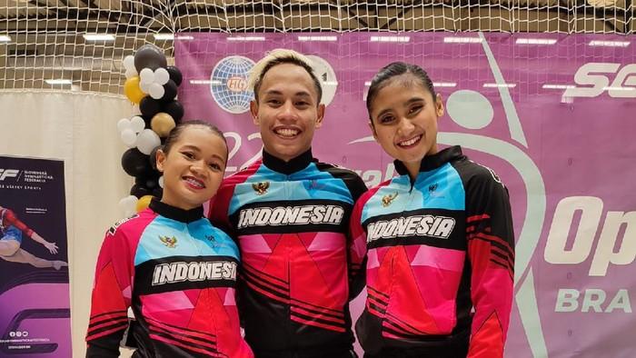 Ada kabar gembira dari atlet senam Indonesia yang tampil di kejuaraan dunia Slovak Aerobic Open 2021. Ada dua pesenam yang membawa pulang medali.  Indonesai diwakili oleh klub senam Estafet Indonesia yang berisikan tiga pesenam aerobik, yakni Gregorius Agung Iswarabawa, Ita Yuniati, dan Naura Oryza Sativa.