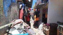 Ibu di Surabaya Meninggal Saat Insiden Rumah Ambruk, Anaknya Belum Tahu