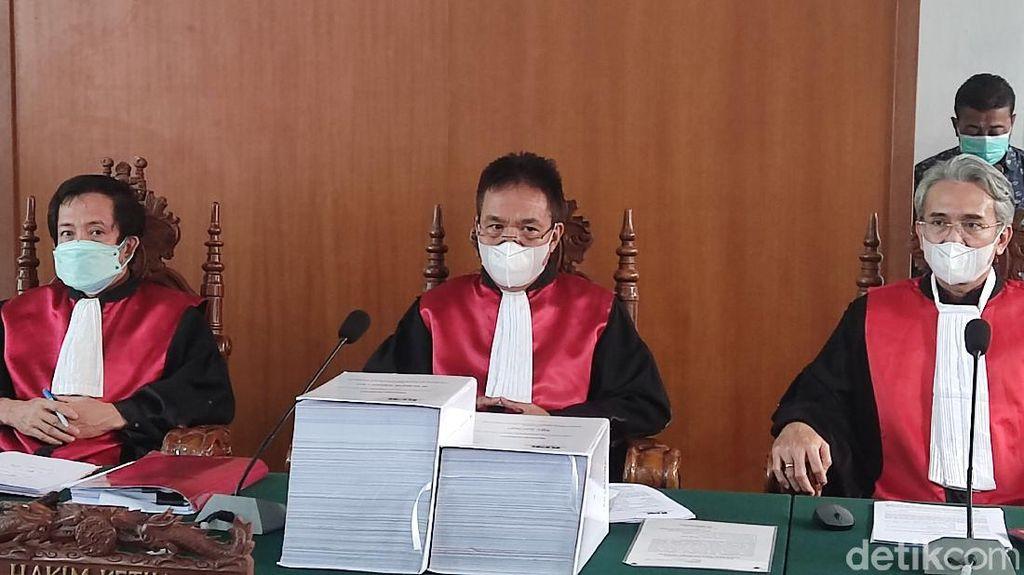 Hakim Heran Dana Bencana Dialihkan Nurdin Bangun Masjid di Lahan Pribadi