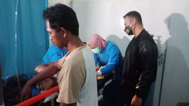 suami bacok selingkuhan istri