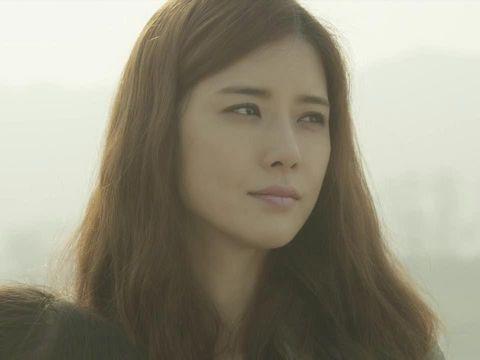 Drakor Lee Bo Young