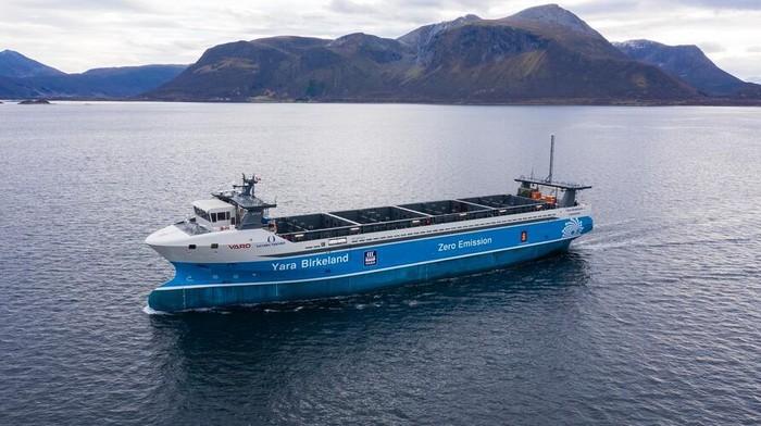 Kapal Kargo otonom Yara Birkeland yang juga bertenaga listrik