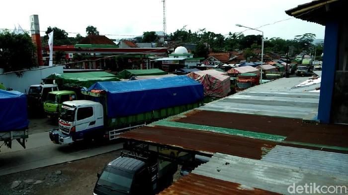 Kemacetan lalu lintas di Jalan Ajibarang, Kabupaten Banyumas, Jawa Tengah, beberapa waktu lalu.