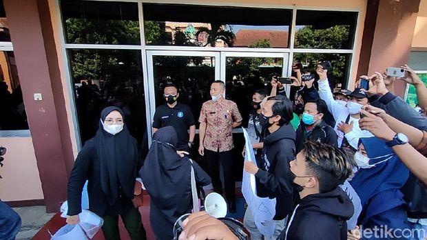mahasiswa iain kediri demo