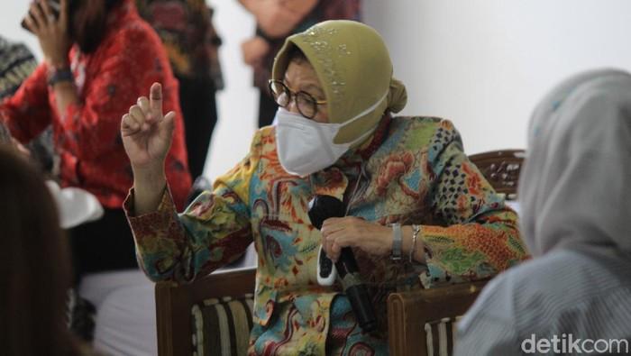 Mensos Risma berang ribuan bantuan warga Bandung belum tersalurkan