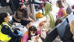 Potret Pengungsi Afghanistan Saat Tiba di Negara-negara Sekutu