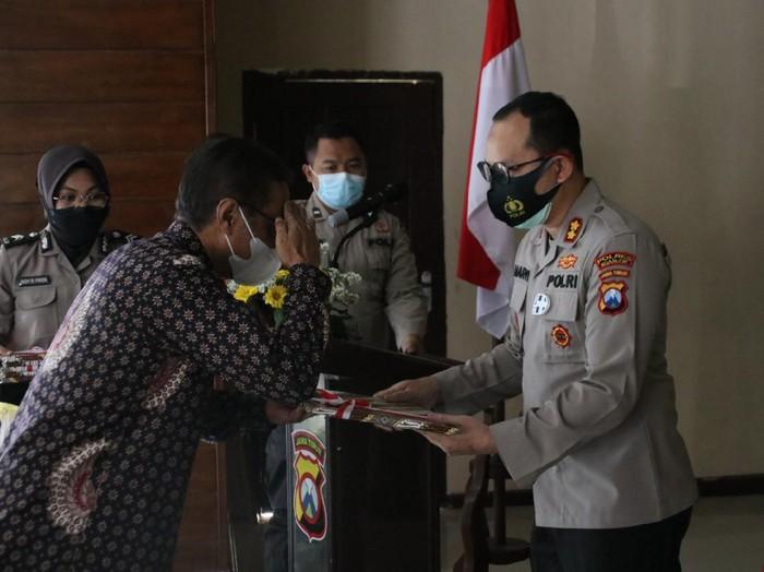 Polisi Nganjuk mendapat kejutan dari  Badan Pertanahan Nasional (BPN) setempat. Kejutan itu berupa penghargaan dalam mengungkap kasus yang berkaitan dengan mafia tanah.