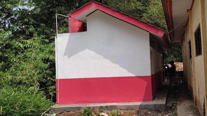 Proyek toilet SD di Pandeglang