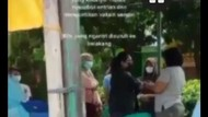 Viral Warga di Bekasi Disuntik Vaksin Nakes Ibu Sendiri yang Tak Ber-APD