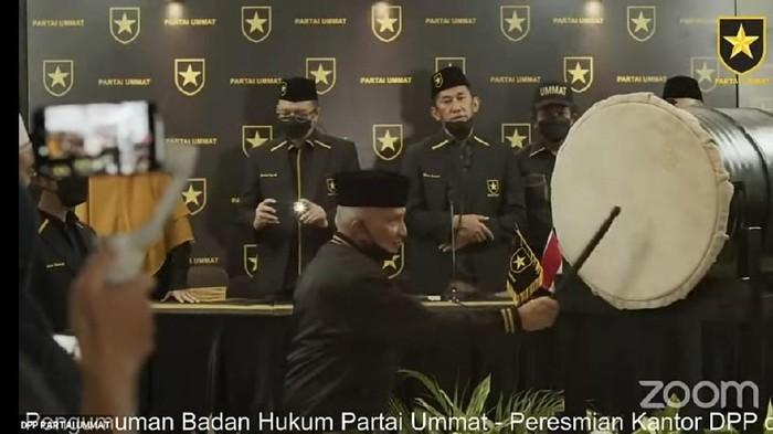Amien Rais saat pengumuman SK Kemenkumham Partai Ummat (dok. YouTube Partai Ummat)