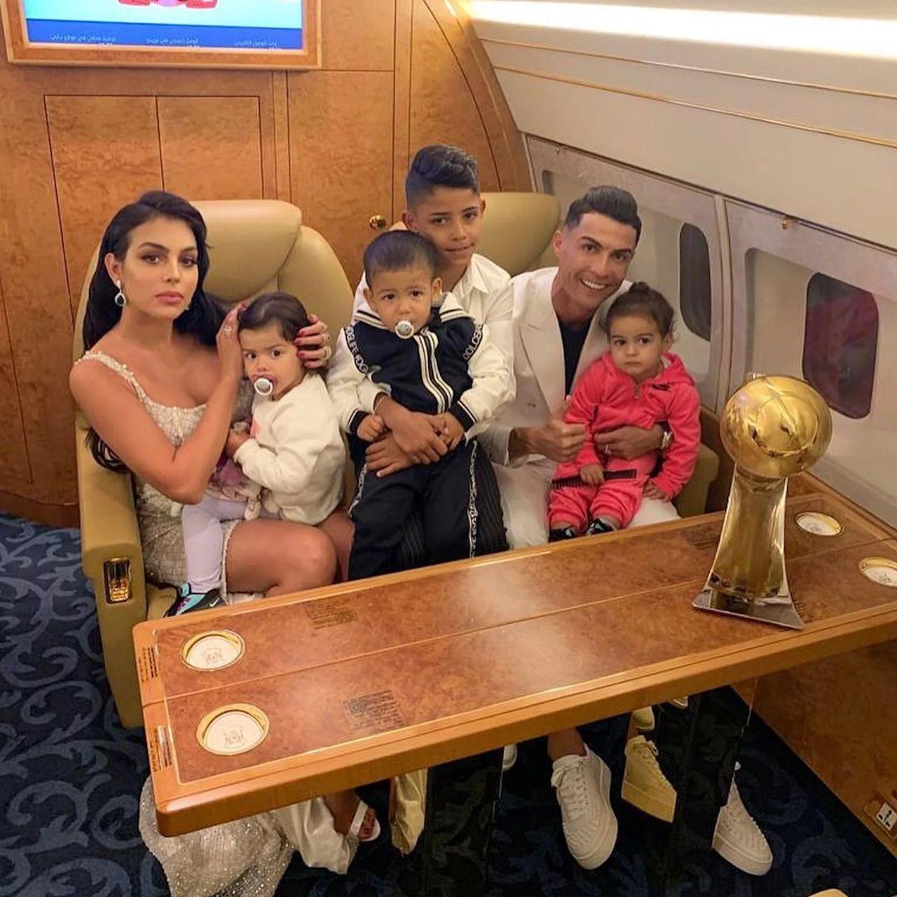 Cristiano Ronaldo Pernah Marah Besar ke Putranya Gara-gara Minum Coca-Cola