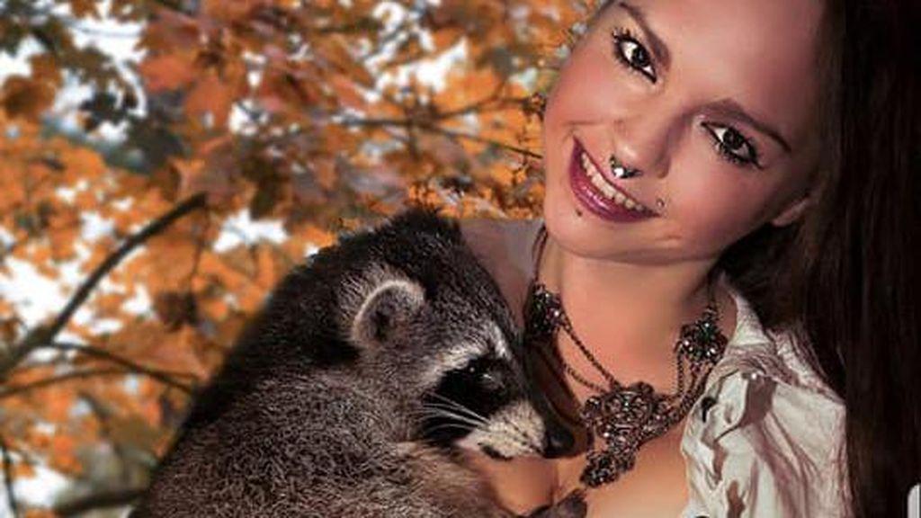 Ngeri, Seorang Model Diterkam 2 Macan Tutul Saat Pemotretan
