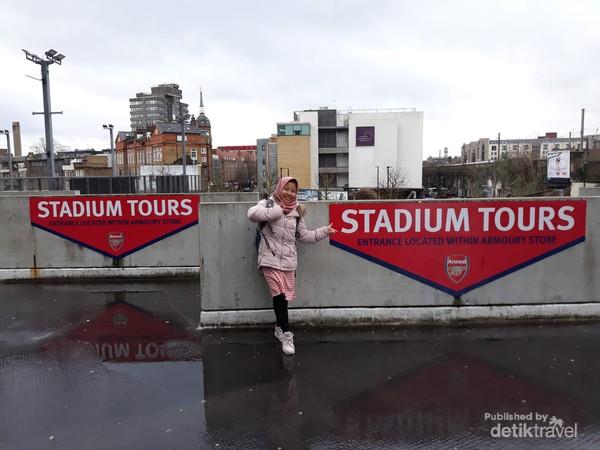 Arsenal Stadium Tours atraksi wisata yang sayang untuk dilewatkan jika berkunjung ke London