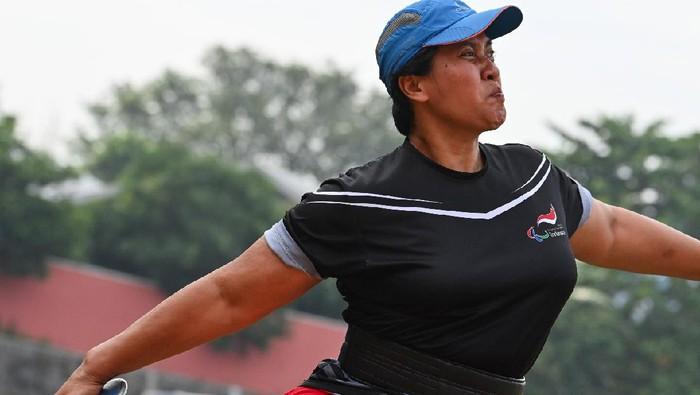 Famini, atlet lempar cakram Indonesia di Paralimpiade Tokyo 2020.