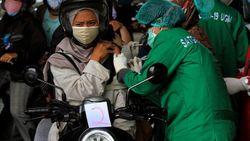 Efek Samping Vaksin Corona Lebih Kecil dari Risiko Terinfeksi COVID