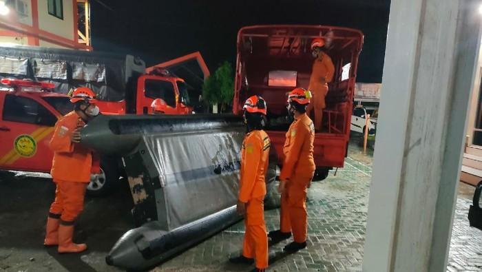 Basarnas siapkan perahu untuk evakuasi