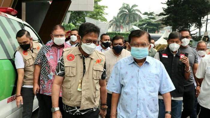 Jusuf Kalla meninjau vaksinasi COVID-19 di Gedung Nindya Karya Jakarta
