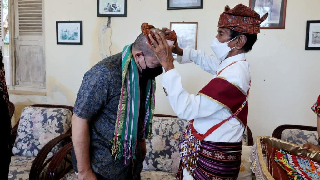 Dikunjungi Ketua DPD, Raja Kupang Titip Pesan Ini untuk Jokowi