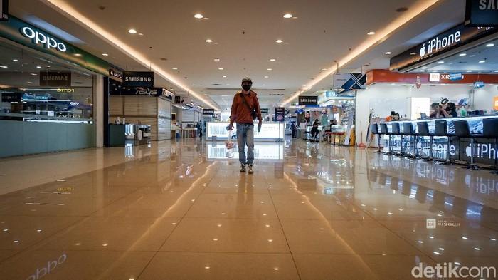 Mal di Tangerang kembali bergeliat usai kawasan itu kini berstasus PPKM Level 3. Mal pun kembali jadi tujuan warga untuk isi waktu libur di akhir pekan.