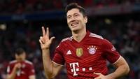 Lewandowski Tak Pernah Mau Dibandingkan dengan Messi dan Ronaldo