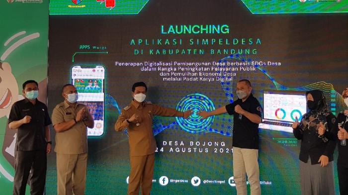 Untuk mendigitalisasi desa, sebanyak 23 desa di Kabupaten serentak memanfaatkan aplikasi simpeldesa.