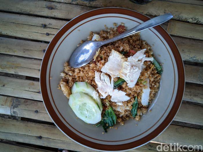 Mantul! Makan Tiwul Goreng Rp 9.000 Sambil Nikmati Pemandangan Waduk Bendo