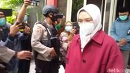 Momen Bupati Probolinggo Digiring ke Jakarta Tanpa Sepatah Kata