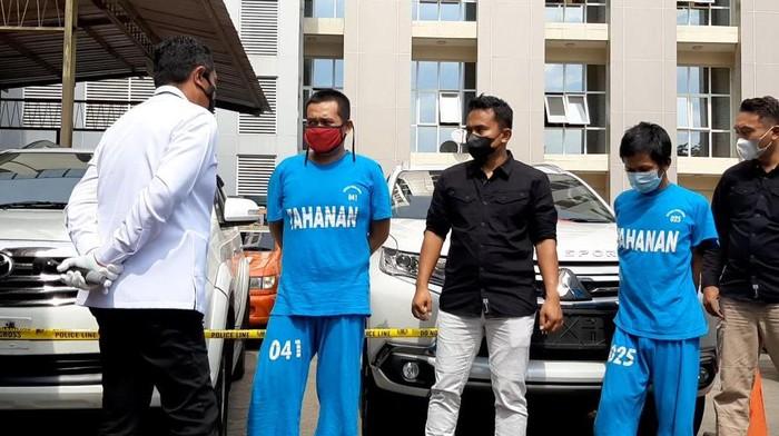 Ketiga maling spesialis mobil mewah saat di Polda Jateng