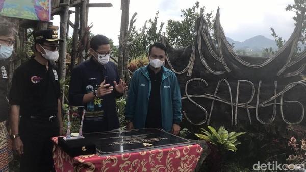 Desa Sarugo juga memiliki nilai histori tersendiri, dimana kampung ini merupakan daerah penting pada saat PDRI (Pemerintah Darurat Indonesia). Di Desa Sarugo juga masih banyak peninggalan-peninggalan sejarah dapat dijumpai. (Jeka Kampai/detikTravel)