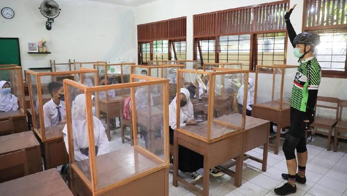Sebanyak  2.539 sekolahan menggelar Pembelajaran Tatap Muka (PTM) di Jawa Tengah mulai hari ini. Jumlah tersebut termasuk yang masih melakukan uji coba.
