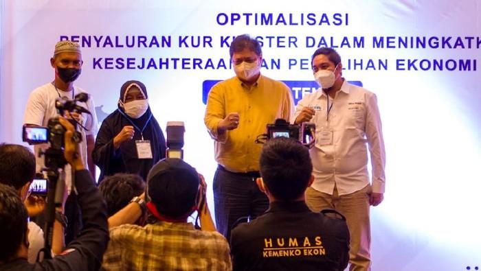 Askrindo, Anggota Holding Perasuransian dan Penjaminan Indonesia Financial Grup (IFG) memberikan 200 paket sembako kepada Pemerintah provinsi Sulawesi Tengah.